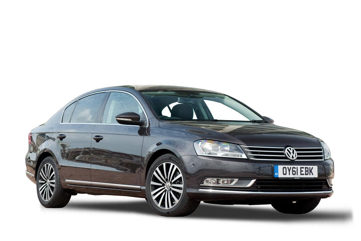 Volkswagen-Passat-saloon-2012-front-quarter-main
